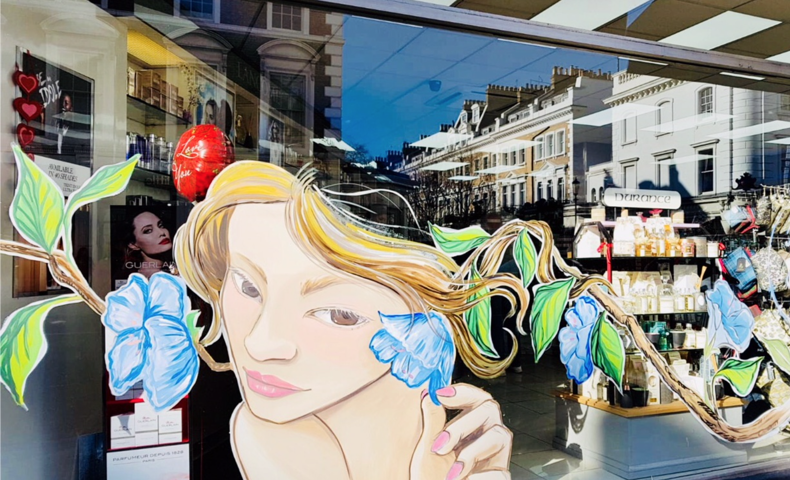 How a Wall Artist and Window Art can Help a New Business